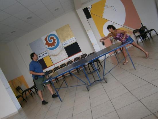 Hotel Huankarute: Sala de ping pong