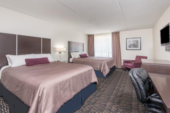 Ramada Plaza Niagara Falls: Deluxe 2 Queen Beds