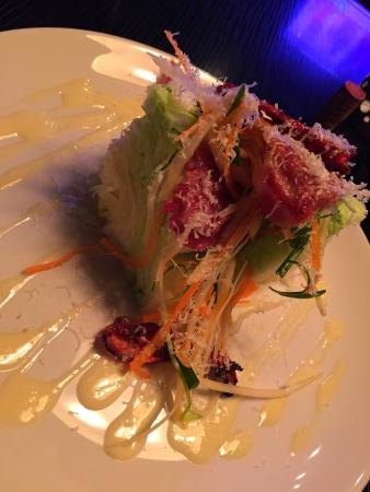 Summerland, Canadá: Wedge Salad - Amazing presentation and very tasty
