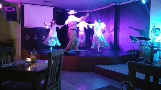 Ahijuna Show Folclórico