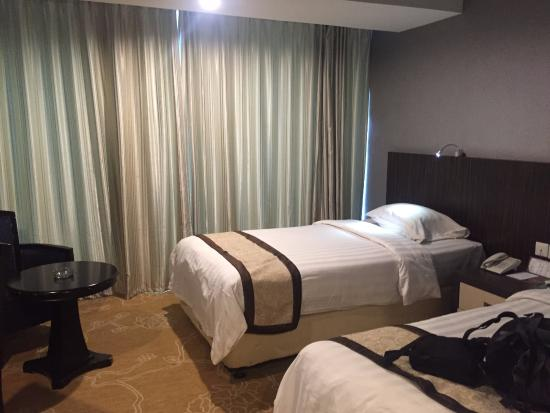 kamar picture of hermes palace hotel medan managed by bencoolen rh tripadvisor ca