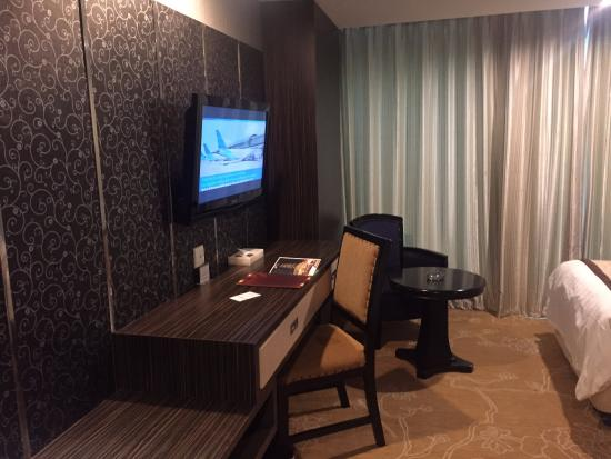 kamar picture of hermes palace hotel medan managed by bencoolen rh tripadvisor in