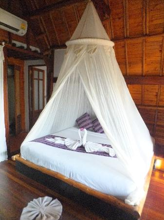 Thipwimarn Resort: our comfortable bed