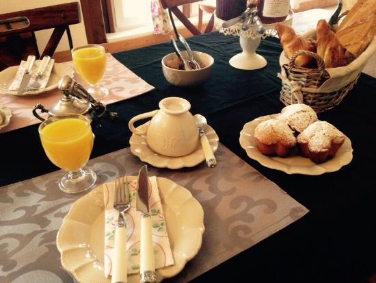 Lailly-en-Val, Francia: Petit déjeuner