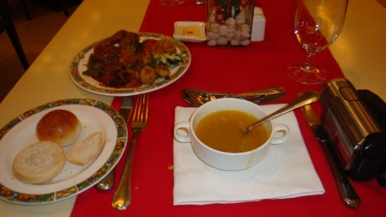 Restaurant at Trident, Agra: Ресторан Трайдент