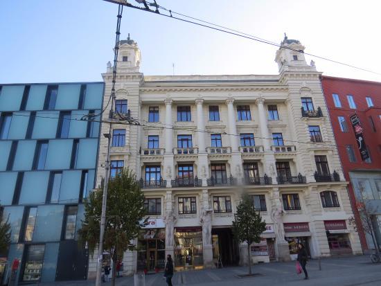 Brno, Republik Ceko: New & Old Mix