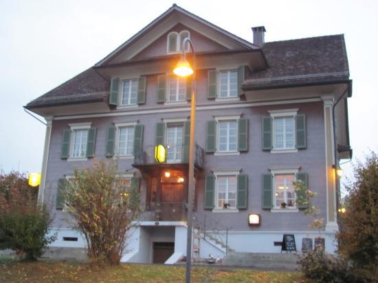Sins, Sveits: Der Haupteingang