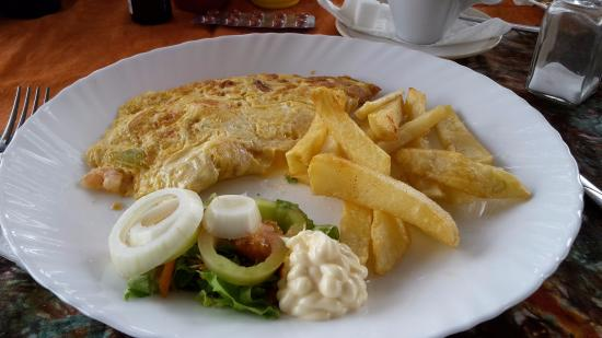 Dominos Beach Bar and Restaurant : Tasty cheese omelette