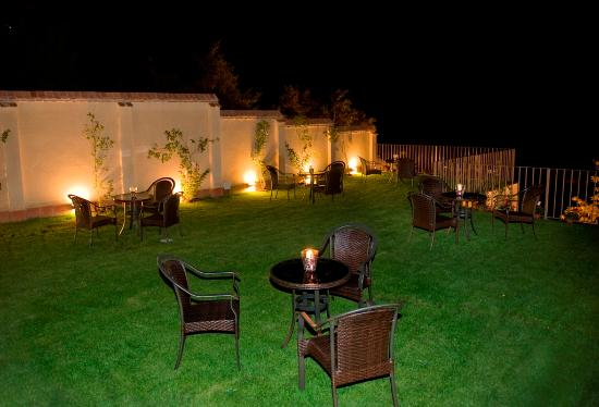 terraza jard n de noche picture of hotel don felipe segovia rh tripadvisor com