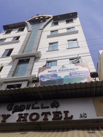 Ponnusamy Hotel and Restaurant