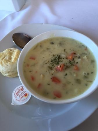 Quispamsis, Canadá: Mulligatawny Soup with Biscuit