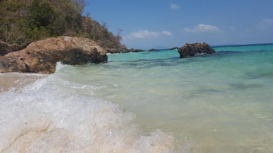 Koh Maithon Jetty - Picture of Maithon Island (Honeymoon Island), Rawai - Tri...