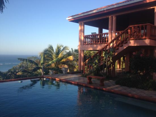 East End, Honduras: Main house