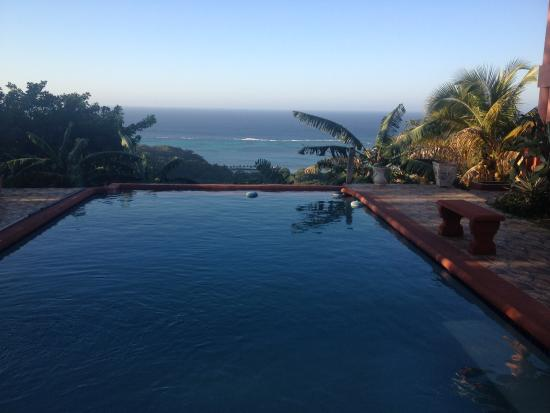 East End, Honduras: Pool with a view