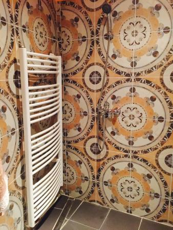 Hostel Marrakesh: Shower
