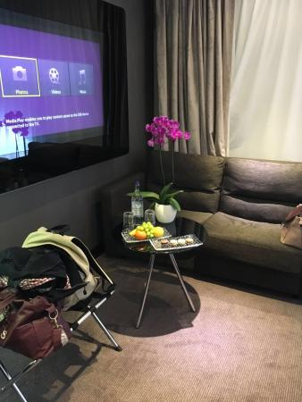 tv and free fruit picture of m by montcalm shoreditch london tech rh tripadvisor co uk