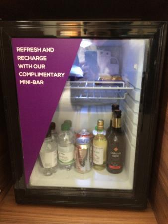 Amba Hotel Charing Cross: free minibar