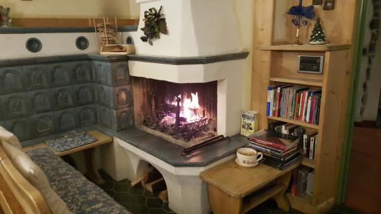 Digonera Historic Hotel: Fireplace for everyone