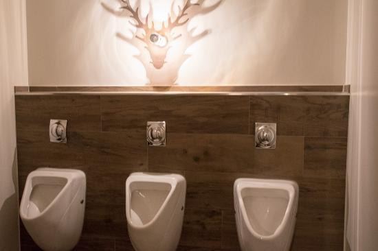 moderne wc anlage bild von cortina oberhof tripadvisor. Black Bedroom Furniture Sets. Home Design Ideas