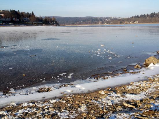 Brno, República Tcheca: Zimní brněnská přehrada