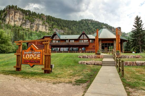 ‪سبيرفيش كانيون لودج: Spearfish Canyon Lodge in Summer‬