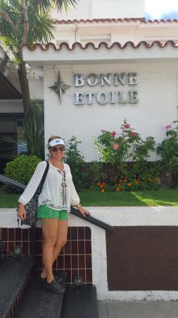 Bonne Etoile Hotel: Frente do Hotel