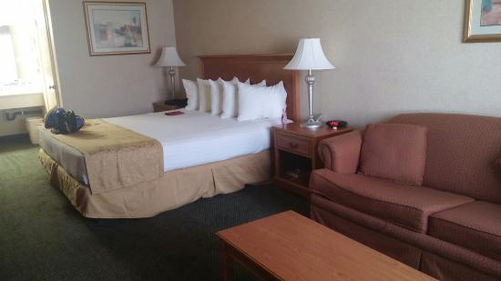 Best Western Country Inn: 0226161431_large.jpg