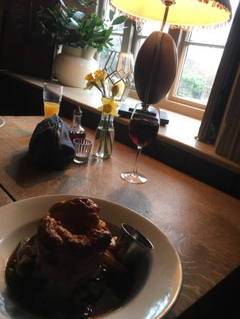 Ring O' Bells: BEST ROAST of my LIFE! Such s gorgeous quirky pub! Lovely, lovely staff! Delicious food! Will de