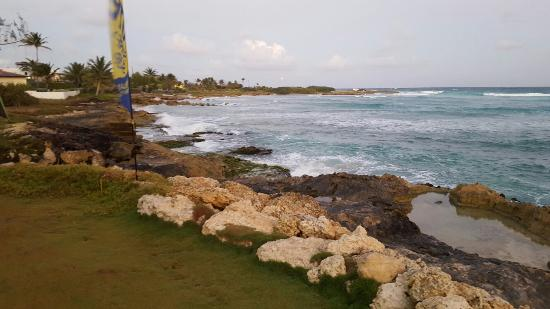 Ocean Spray Beach Apartments: 20160222_181720_large.jpg