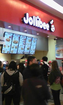 Jollibee: Popular fast food destination at any hour!