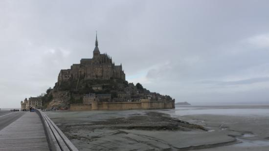 France Tourisme - Daily tour: the weather was misting and windy, but it was still a great day!