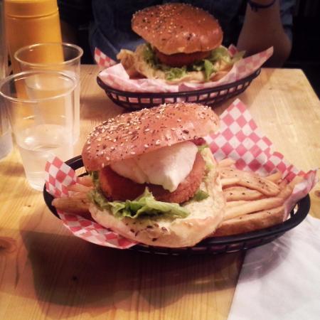 "Burger'N'Co (corum) : Burger ""stairway to heaven"" avec steak de poisson"