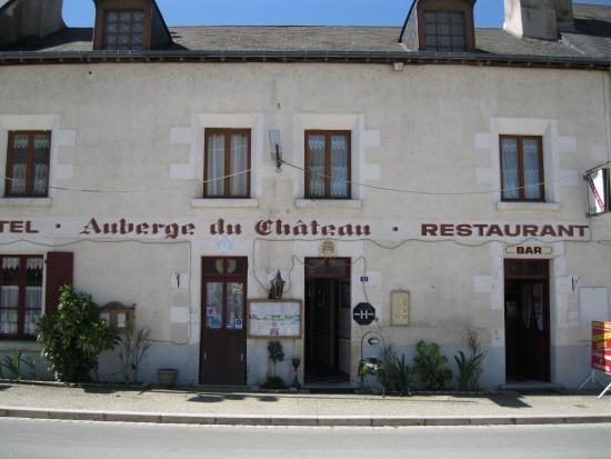 Fougeres-sur-Bievre, Франция: Auberge Du Chateau in Fougere Sur Bievre.