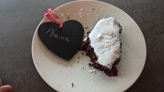 Kuchen Vom Vortag Wird Mit Namen Aufbewahrt Bild Von Hotel Pension