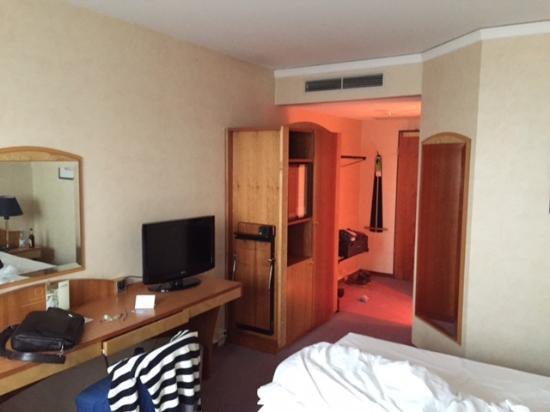 Lindner Congress Hotel: værelse