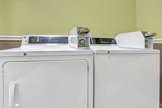 Super 8 Freeport/L.L. Bean Area : Guest Laundry