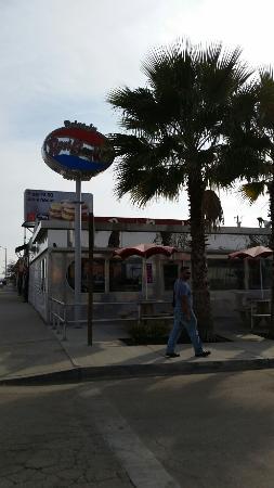 Lamont, CA: Root Beer King