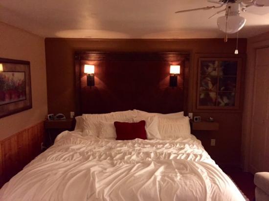 Barbara's B&B: Arlene's Room