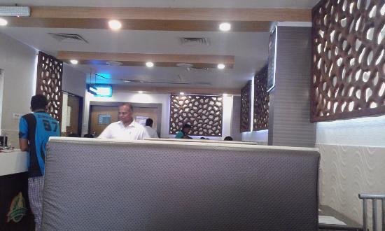 Sri Vani Vilas Hotel