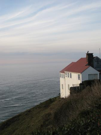 Cape Foulweather - closed historic gift shop