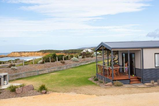 Seaview cabin exterior - Picture of Torquay Foreshore