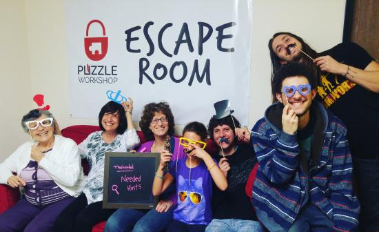 ‪Puzzle Workshop Escape Room‬
