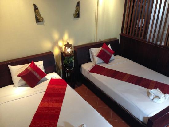 Vangsavath Hotel: Deluxe Twin room