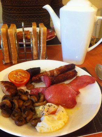 Irish breakfast at Laragh House
