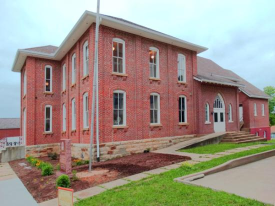 Marble Hill, MO: the Mayfield Cultural Center