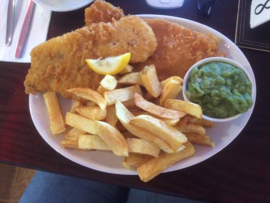 Busy Bees Restaurant & Takeaway: Great fish and chip meals