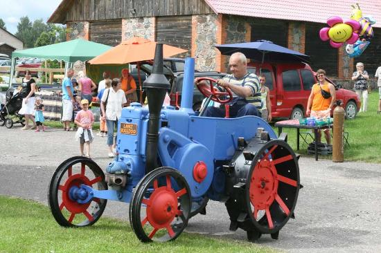 Ulenurme, Estonia: Old tractors in museum