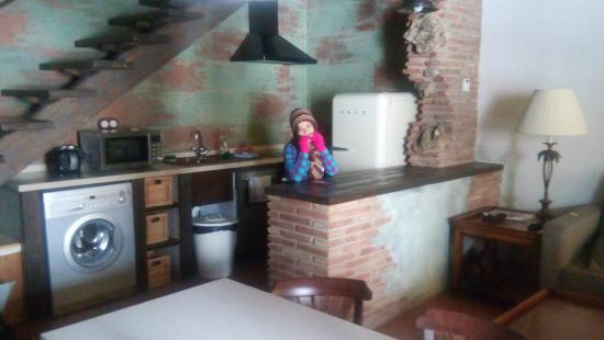 Cocina americana sal n picture of hotel rural los anades for Cocina americana y salon