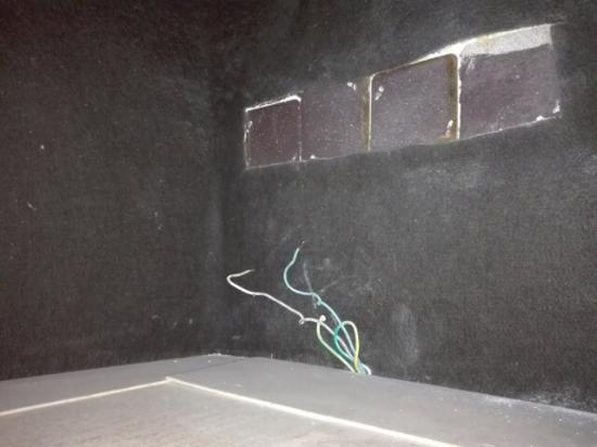 Azulejos Baño Sueltos:Moho en en baño: fotografía de Sercotel Apartamentos Eurobuilding 2