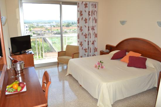 Photo of Hotel Marfil Sant Antoni de Portmany